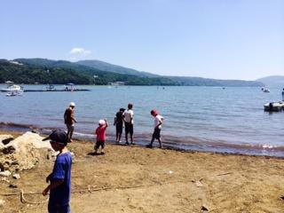 山中湖です…